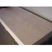 臨沂瑞達出口優質楊木芯家具板國際E0級環保家具板包裝板