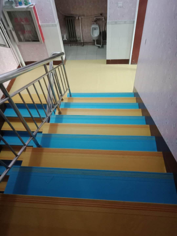 整体加厚PVC防滑耐磨楼梯专用踏步
