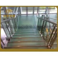 供钢结构楼梯、精巧玻璃楼梯 优质旋转楼梯
