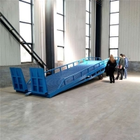 宁夏移动式登车桥集装箱装卸货平台定制公司按需定制