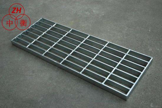 鍍鋅鋼格板-平臺鋼格柵-踏步板-防滑板-上�,F貨價格