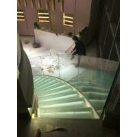 发光玻璃楼梯