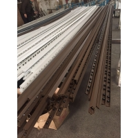 广东厂家专业挤压生产隐形防护网铝材,配件