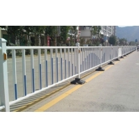 马路护栏 道路护栏 交通护栏 热镀锌道路护栏 隔离栏 市政公