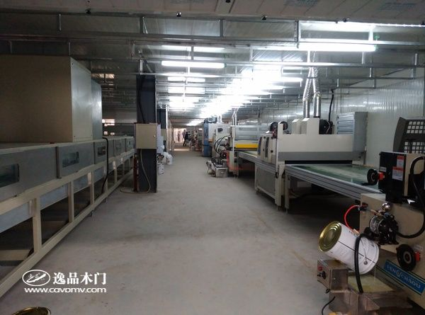 重庆逸品木门先进设备 UV生产线