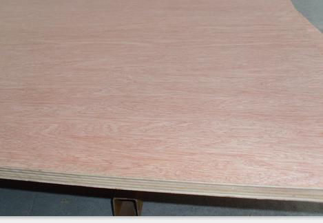 杨木包装胶合板 桃花芯多层板 包装板 打孔板