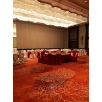 深圳南山酒店超高隔斷懸掛折疊推拉門設計包安裝