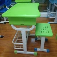 河南中空吹塑课桌椅 郑州升降课桌椅 小中高生课桌椅厂家直销