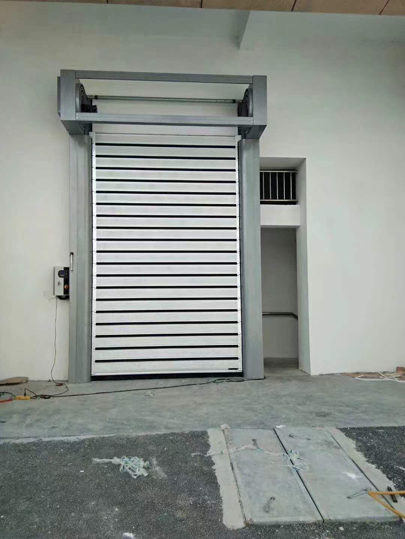 馬鞍山地區快速提升門廠家品質保證