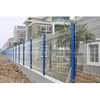 桃型柱护栏网、三角折弯护栏网