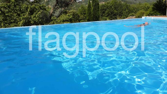 装配式泳池的完美搭配-------FLAGPOOL防水装饰胶