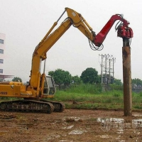 某建筑工地用的打桩机 建筑工程用打桩机