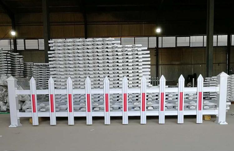 西安pvc护栏价格 pvc护栏型材 pvc学校护栏 草坪护栏